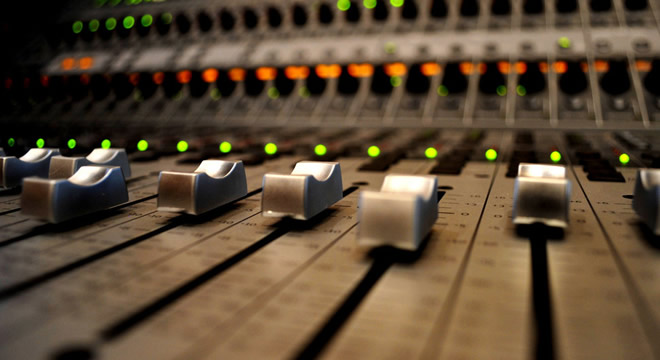 The Top 10 Colleges for Music Production - Music School ...